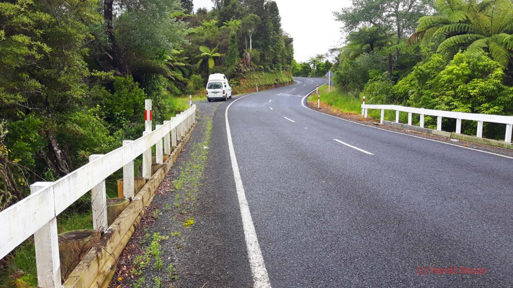Kurvige und teilweise enge Straßen.