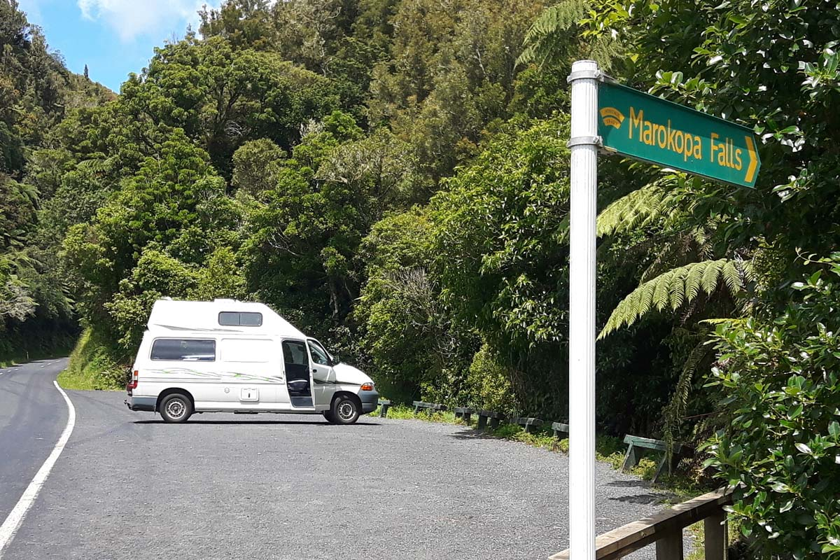 Auf dem Weg von Waitamo Caves nach Kawhia die Mokopa Falls