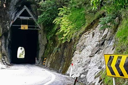 Forgotton World Highway - der Moki Tunnel