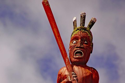 Figur am Giebel - Te Papaiouru Marae