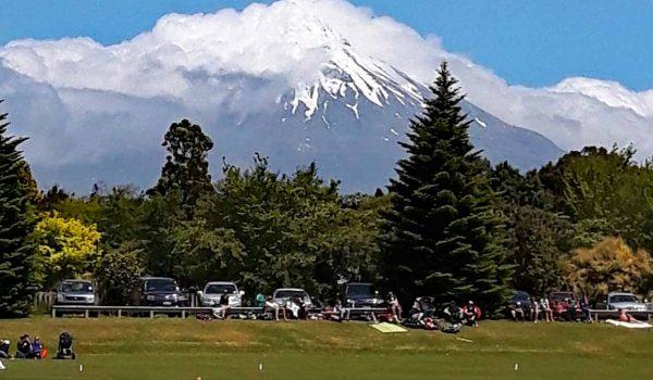 Criket, Rugby und Bowling sind beliebte Sportarten in Neuseeland.