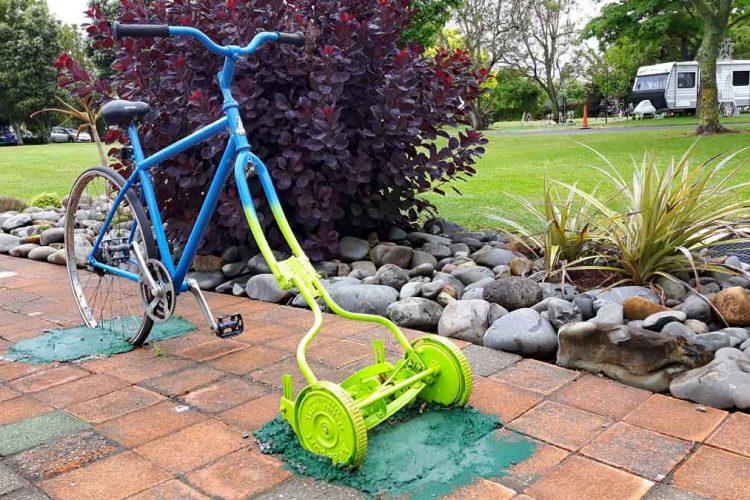 Neuseeländischer Humor - Fahrradmäher