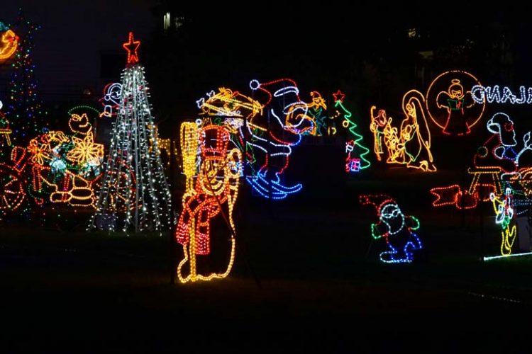 Wairoa Holiday Park - weihnachtlich beleuchtet